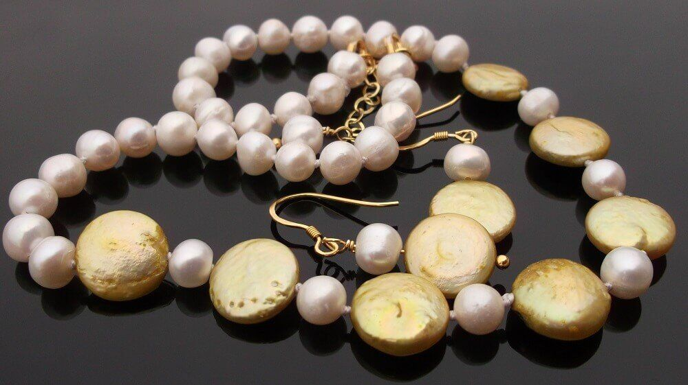 White & lemon Pearl Necklace Set.