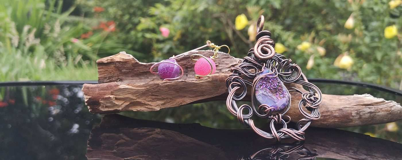 handmade jemstone jewellery wire wrapped