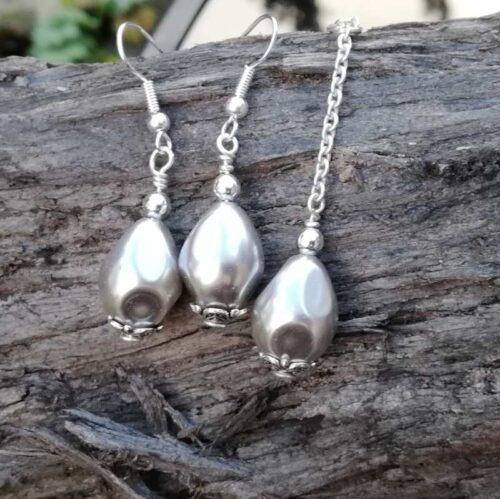 Silver Shell pearl necklace earring set