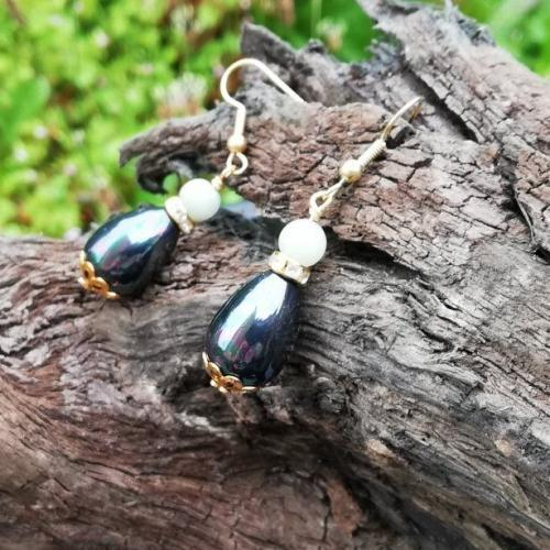 Black Shell Pearl Green Agate earrings